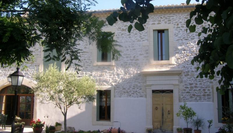 D couvrez nos realisations de ravalement de facade proche - Maison en pierre apparente ...